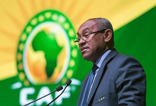 """أحمد أحمد يُطمئن الكاميرونيّين بعد اشتداد الضّغط: أنتم من سيُنظم """"الكان"""".. ولا خطّة """"ب""""!"""
