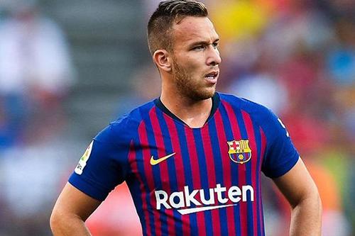 برشلونة يستعيد خدمات نجمه أمام توتنهام هوتسبر