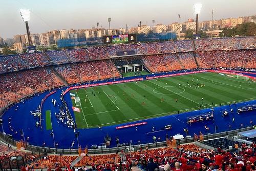 رئيس هيئة ملعب القاهرة: الجمهور قد يحضر مباريات دوري الأبطال