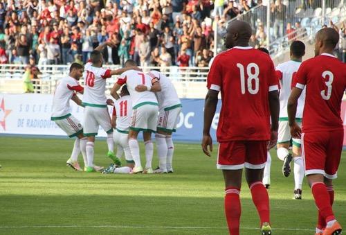 """الفيفا: المنتخب المغربي حقّق قَفزة نوعِية.. وفضْل الزاكي ولمْسة رونار ساهَما في تطوّر """"الأسود"""""""