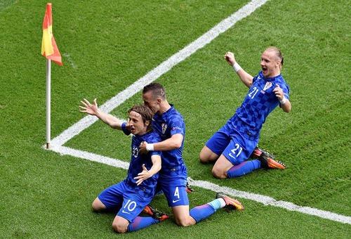 كرواتيا تعبر تركيا بهدف مودريتش في يورو 2016