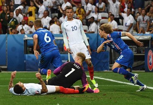 ايسلندا تعاقب إنجلترا على الخروج من الاتحاد الأوروبي وتطيح بها من يورو 2016