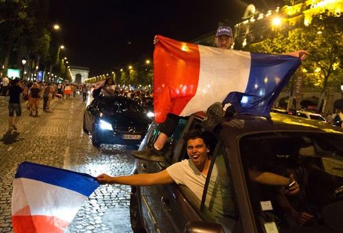 """فرنسا تمنع احتفال """"ديوكها"""" في """"الشانزليزيه"""" في حال الفوز على البرتغال"""