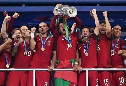 """البرتغال تهزم """"ديوك فرنسا"""" وتفوز بكأس أوروبا للأمم لأول مرة في تاريخها"""