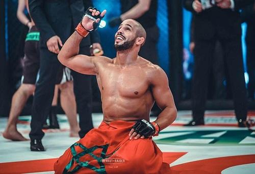 """أبو زعيتر يفوز في نزال """"UFC"""" على البطل البرازيلي بنقاط الحكام"""