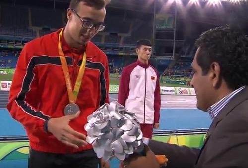 مهدي أفري يحل ثانيا في سباق 400 م ويمنح المغرب أول ميدالية في الألعاب البارالمبية
