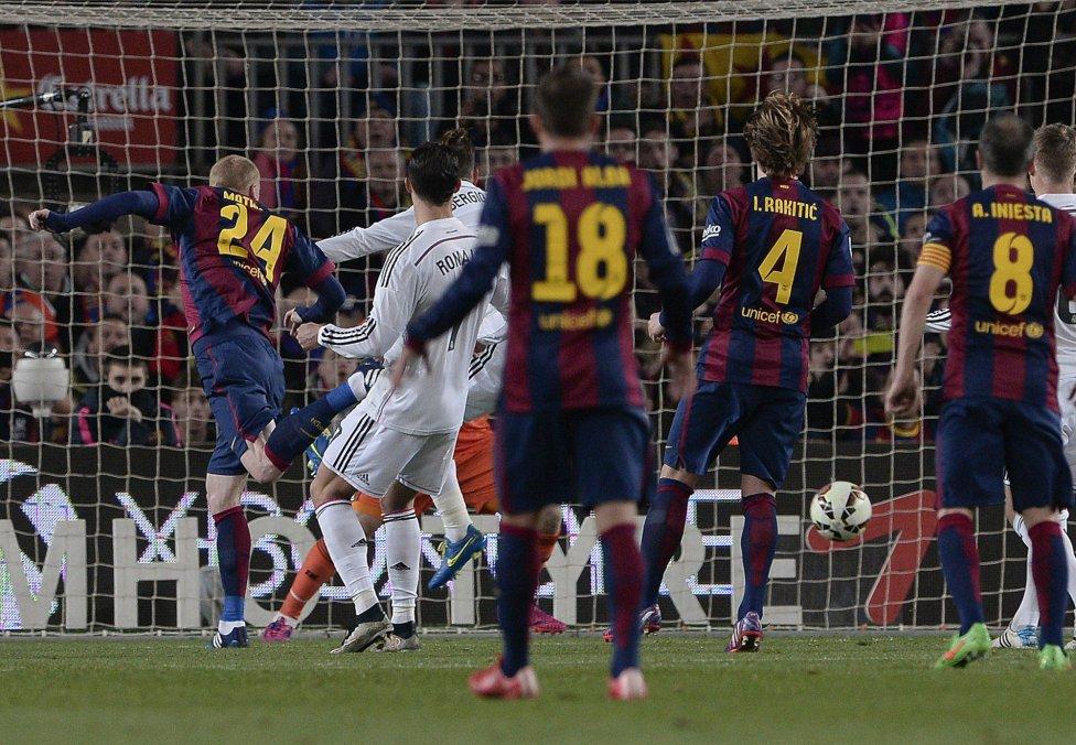 برشلونة يهزم الريال
