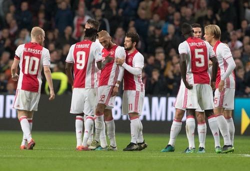 زياش يقود الأياكس لتحقيق فوز صعب على إكسيلسيور في الدوري الهولندي
