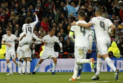 ريال مدريد يحتفل بالتأهل مع تعلم الدرس