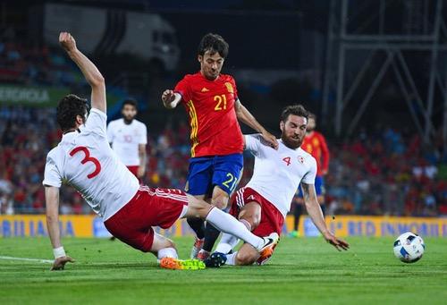 إسبانيا تسقط أمام جورجيا في آخر اختبار قبل يورو 2016.. وديل بوسكي مُحبط