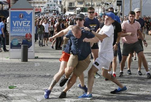 الادعاء العام في فرنسا يوجه الاتهام لـ 150 روسيا في أحداث شغب مارسيليا