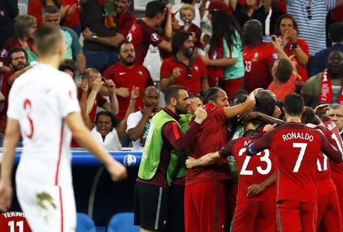 """ركلات الترجيح تقود البرتغال للمربع الذهبي في """"يورو 2016"""""""