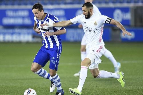 كريم بنزيمة: نادي ريال مدريد الإسباني يسير على الطريق الصحيح