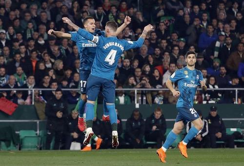 ريال مدريد يثأر من ريال بيتيس بخماسية ويُحقق فوزه الـ 13 في الدوري الإسباني