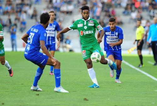 اتحاد طنجة والرجاء يقتسمان نقاط مباراة الجولة الرابعة في البطولة