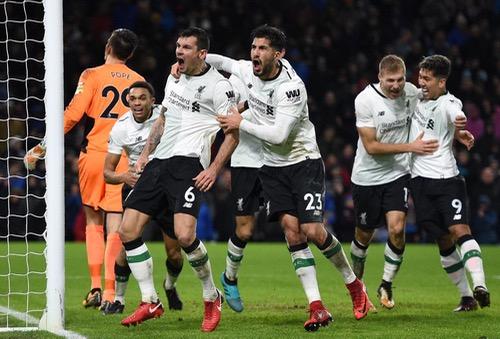 ليفربول يفوز بصعوبة على بيرنلي وليستر يتفوق على هدرسفيلد بالدوري الإنجليزي