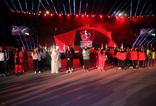 غِياب اللاعِبات المَغربيات عن افْتتاح الألعابِ العربية وحضورٌ وازن للشيوخ والشخصِيات المرموقة