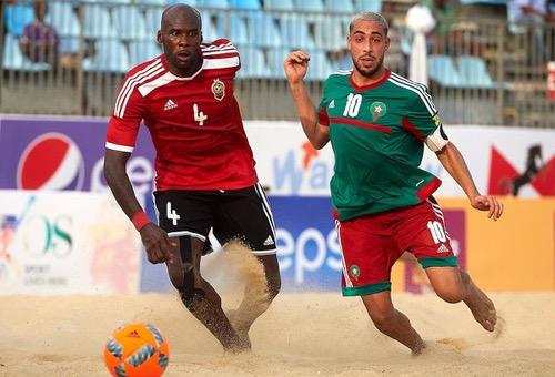 """""""الأسود"""" يهزمون ليبيا قبل مهمة حسم التأهل لنصف نهائي """"كان Beach Soccer"""" أمام مدغشقر"""