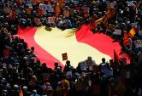"""نادال ينتقد دعوة كتالونيا لاستفتاء انفصالي.. ويدعو للعيش في """"إسبانيا مُوّحدة"""""""
