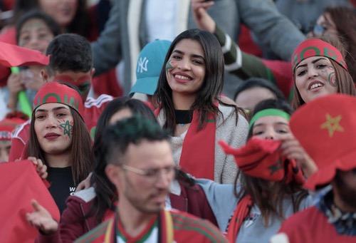 تقارير صحفية: أزْيد من 11 ألف مُناصر مغرِبي في روسيا ومشجّع مغربي يُسافر عبر السيارة