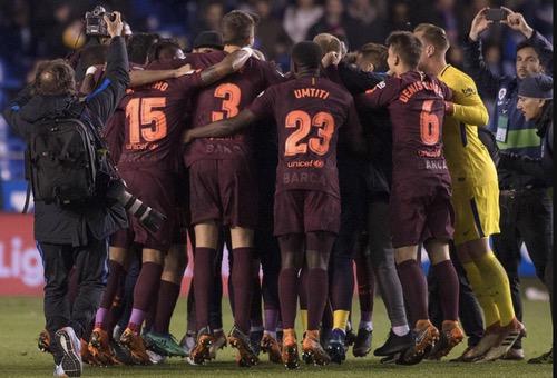 """لاعبو """"البلاوغرانا"""" يجوبون شوارع برشلونة اليوم احتفالا باللقب الـ25 لليغا والـ30 لكأس الملك"""