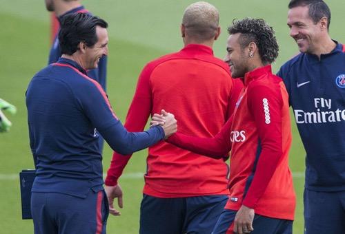 تشافي: لم يخطر على بال إدارة برشلونة أن هناك فريقا قادرا على دفع 222 مليون أورو مقابل نيمار