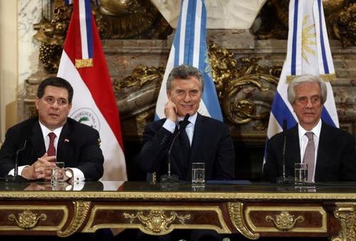 """دول أمريكا الجنوبية تَتمَوْقع لخطف """"مونديال"""" 2030 ونِظام """"فيفا"""" يُربِك مبدأ """"المداورة"""""""