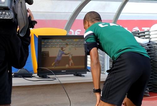"""الـ CAF يستعين ببراعم الرجاء لتجريب تقنية الفيديو قبل """"السوبر الإفريقي"""""""