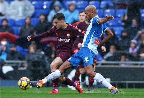 بيكيه ينقذ برشلونة من السقوط أمام إسبانيول بالدوري الإسباني