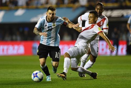 مدرب منتخب إسبانيا: ميسي سيقود الأرجنتين للتأهل لكأس العالم بروسيا