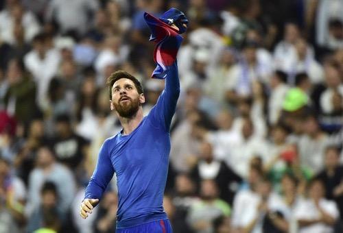 ميسي يواصل تحطيم الأرقام ويسجل الهدف 500 في مسيرته مع برشلونة