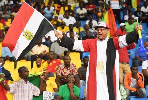 """مصريّون يُطالبون """"الفراعنة"""" بالاكتفاء بالتّعادل أمام غانا لتفادي """"عقدة"""" """"الأسُود"""" في الربع"""