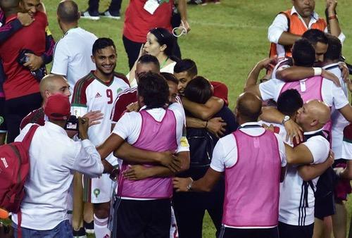 """الإعلام الدولي: المغرب إلى روسيا بالنتيجة والأداء و""""الأسود"""" شرفوا الكرة الوطنية"""