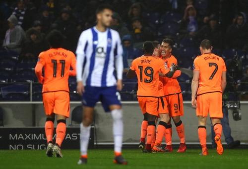 ليفربول يفترس بورتو بخماسية في عقر داره ويصبح على مشارف دور الثمانية بدوري الأبطال