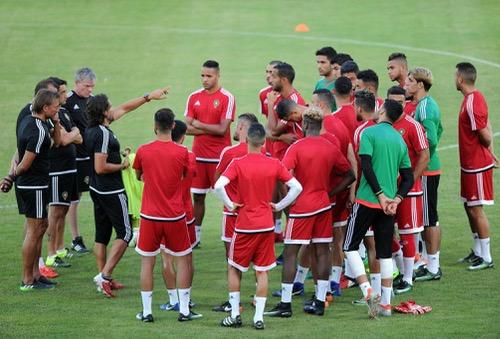 لاعبو المنتخب لم يتفقدوا عشب ملعب أوييم قبل مباراة الكونغو