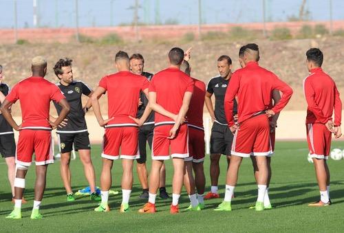 المنتخب المغربي ينهي استعداداته لمواجهة هولندا وسط غياب تغطية من موقع الجامعة