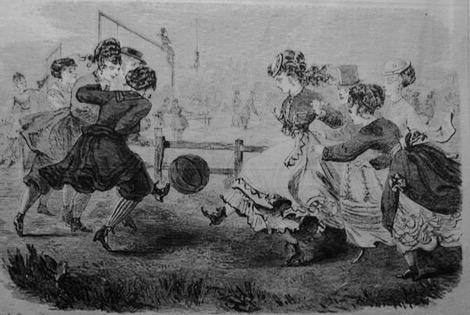 """كرة القدم بـ""""نون النسوة"""".. نوستالجيا عن أول مباراة للسيدات في التاريخ"""