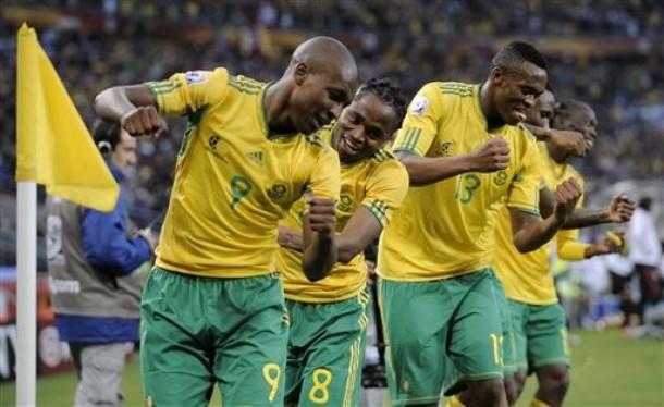 جنوب أفريقيا تتعاقد مع المدرب ماشابا