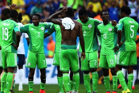 """""""الفيفا"""" يوقف الاتحاد النيجيري إثر """"تدخل حكومي"""" في شؤونه"""