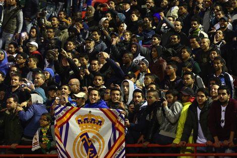 الجُمهور المغربي يَنتظِر احتفالية ريال مدريد لتَناسي فَضِيحة ملعب الرباط