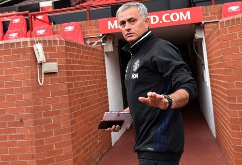 """مورينيو يعتزم القيام بـ""""مذبحة"""" في مانشستر يونايتد الصيف المقبل!"""