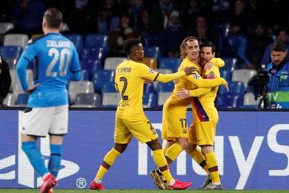 تعادل برشلونة مع نابولي في دور الستة عشر لدوري الأبطال