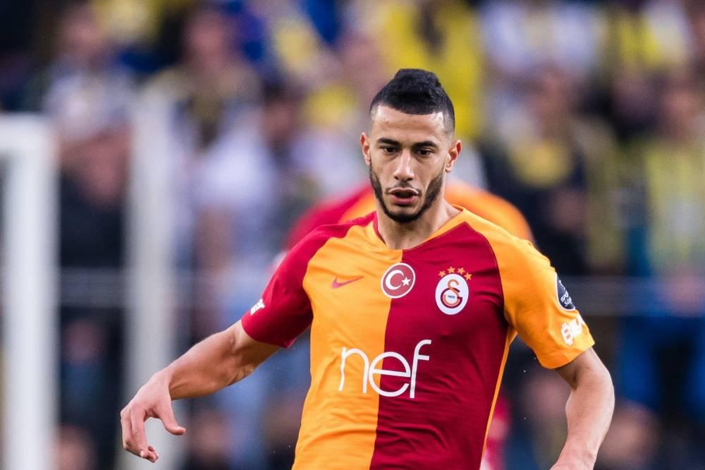 آلام حادّة تُبعد بلهندة عن مباريات غلطة سراي بالدوري التركي