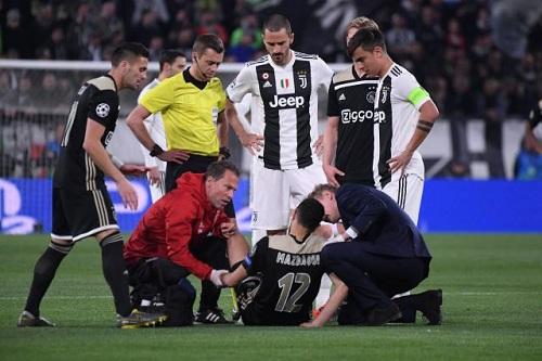 """أياكس يتحفظ عن كشف تبعات إصابة مزراوي ومصير اللاعب """"معلق"""""""