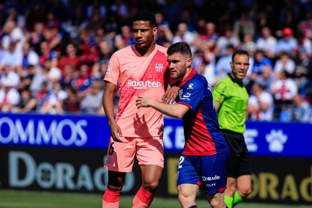 برشلونة يسقط في فخ التعادل السلبي أمام هويسكا في الدوري الإسباني