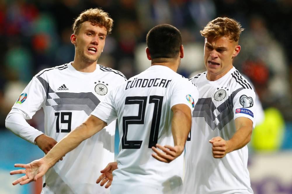 ألمانيا تتحدى النقص العددي وتلدغ إستونيا بثلاثية