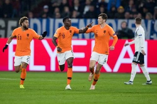 هولندا تقلب الطاولة على ألمانيا وتنتزع بطاقة نصف النهائي من فرنسا