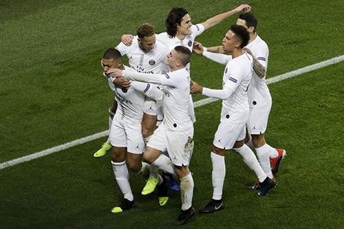 باريس سان جرمان يهزم ليفربول بعد صدام مشوق ويقترب من التأهل