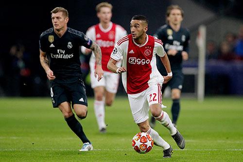 تألق زياش مع أياكس في دوري الأبطال يجذب اهتمام ريال مدريد