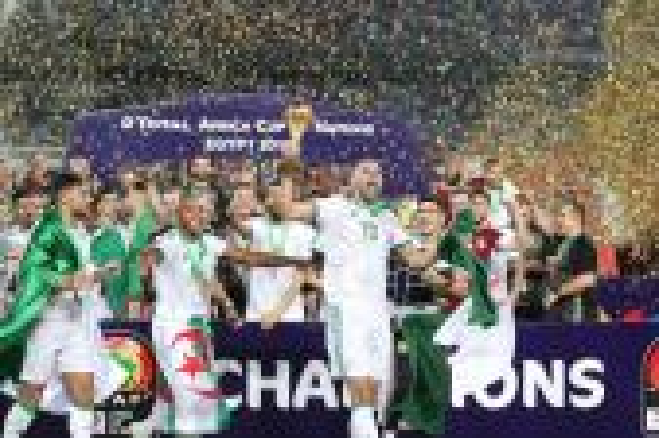 إقبال ضعيف على تذاكر مباراة الجزائر وزامبيا